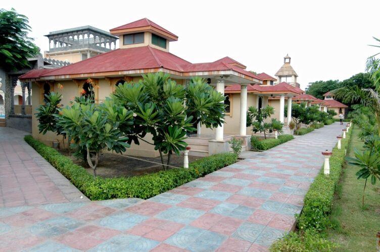 Holiday Village Resort, Gandhidham